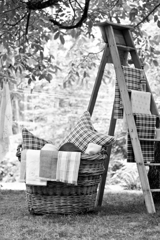 Bainbridge Blues - Photo shoot 2008 ladder with fabrics black and white