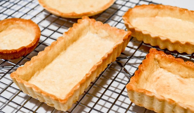 ironstone kitchen - pate brisee - baked tart shells on cooling rack