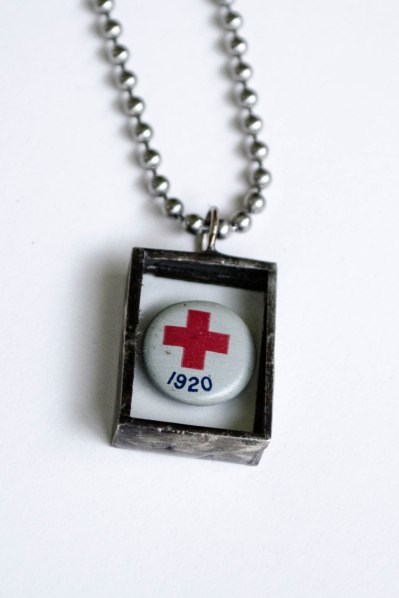 komedal road - 1920 red cross necklace