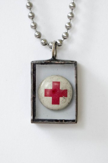 komedal road - cool red cross necklace