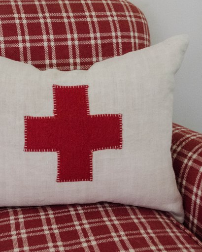 komedal road - red cross pillow