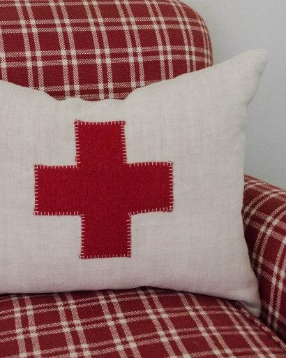 komedal road - red cross pillow