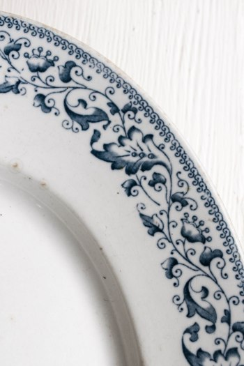 komedal road - blue transferware platter - detail