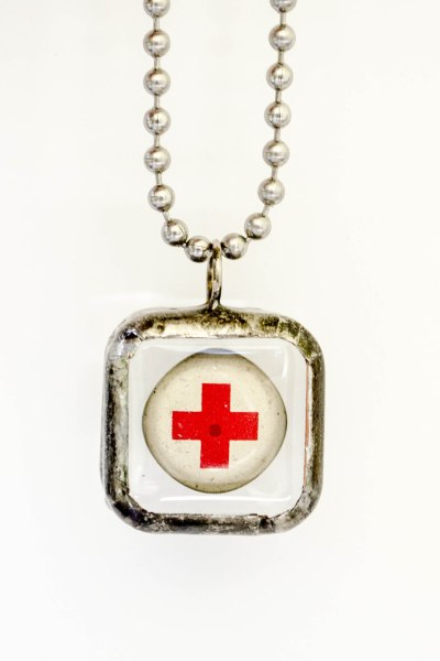komedal road - red cross necklace 1