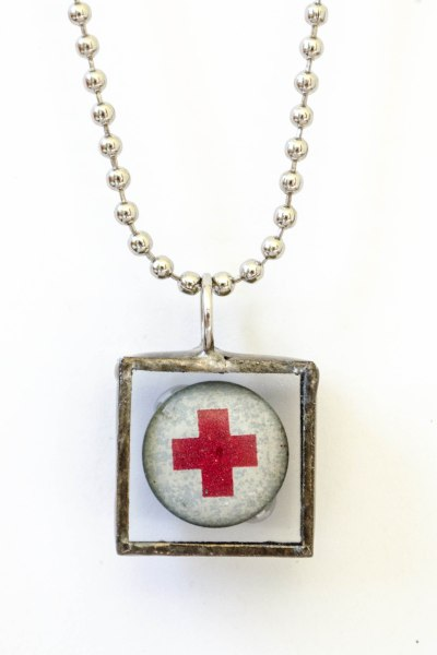 komedal road - red cross necklace 2