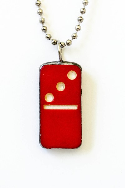 komedal road - red domino
