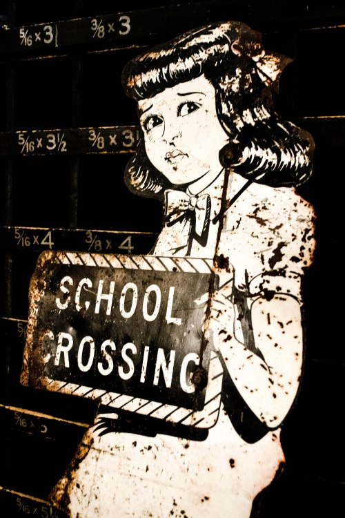 Ormolulu - School Crossing Sign